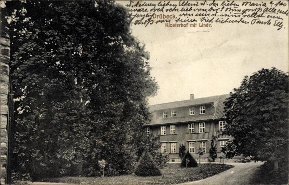 Drübeck Ilsenburg am Nordharz, Klosterhof mit Linde