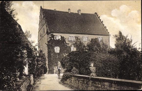 Bürg Neuenstadt an der Linde, Aufgang zum Schloss