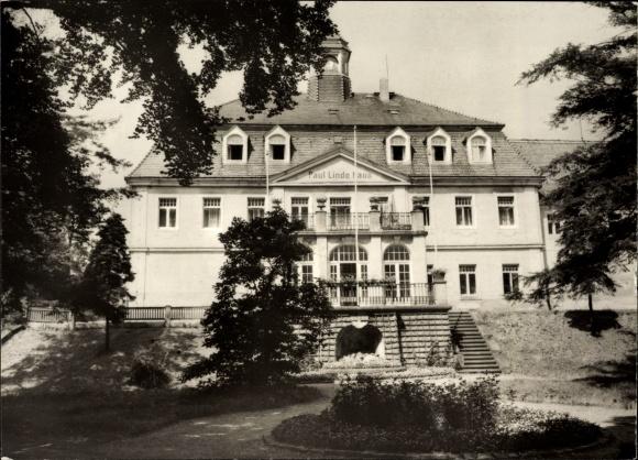 Berggießhübel in Sachsen, Blick vom Park auf das Paul Linde Haus