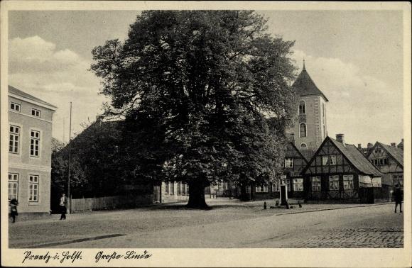 Preetz in Schleswig Holstein, Große Linde, Kirchturm