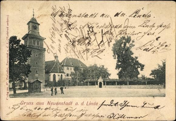 Neuenstadt an der Linde, Großer Platz mit Turm