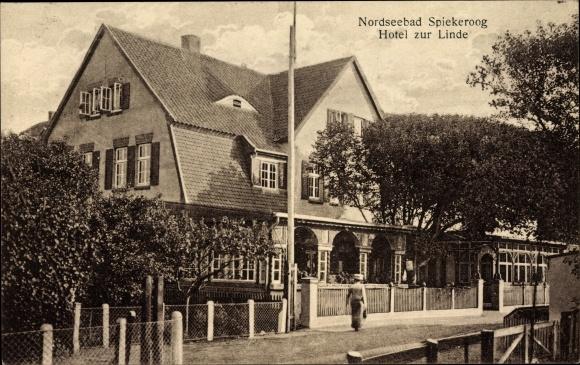 Spiekeroog in Niedersachsen, Hotel zur Linde, Straßenansicht