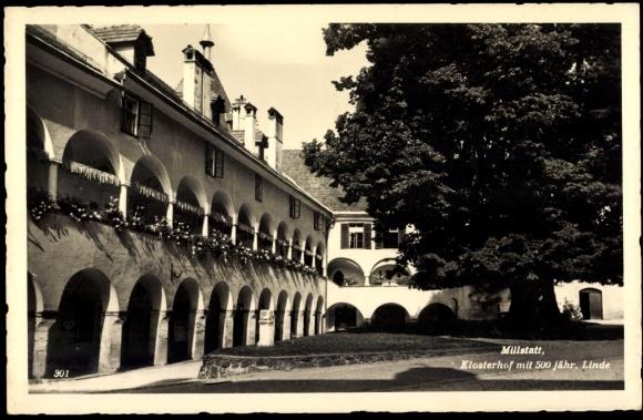 Millstatt Kärnten, Klosterhof mit 500 jähriger Linde